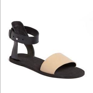 VINCE. Sawyer Black & Tan Leather Sandals 6 / 37